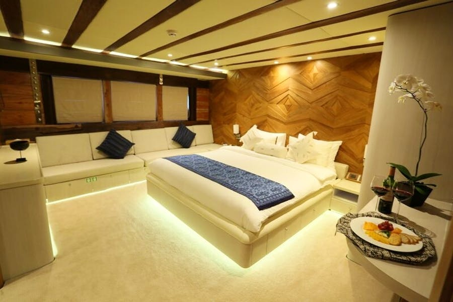 Tendar & Toys for LAMIMA Private Luxury Yacht For charter