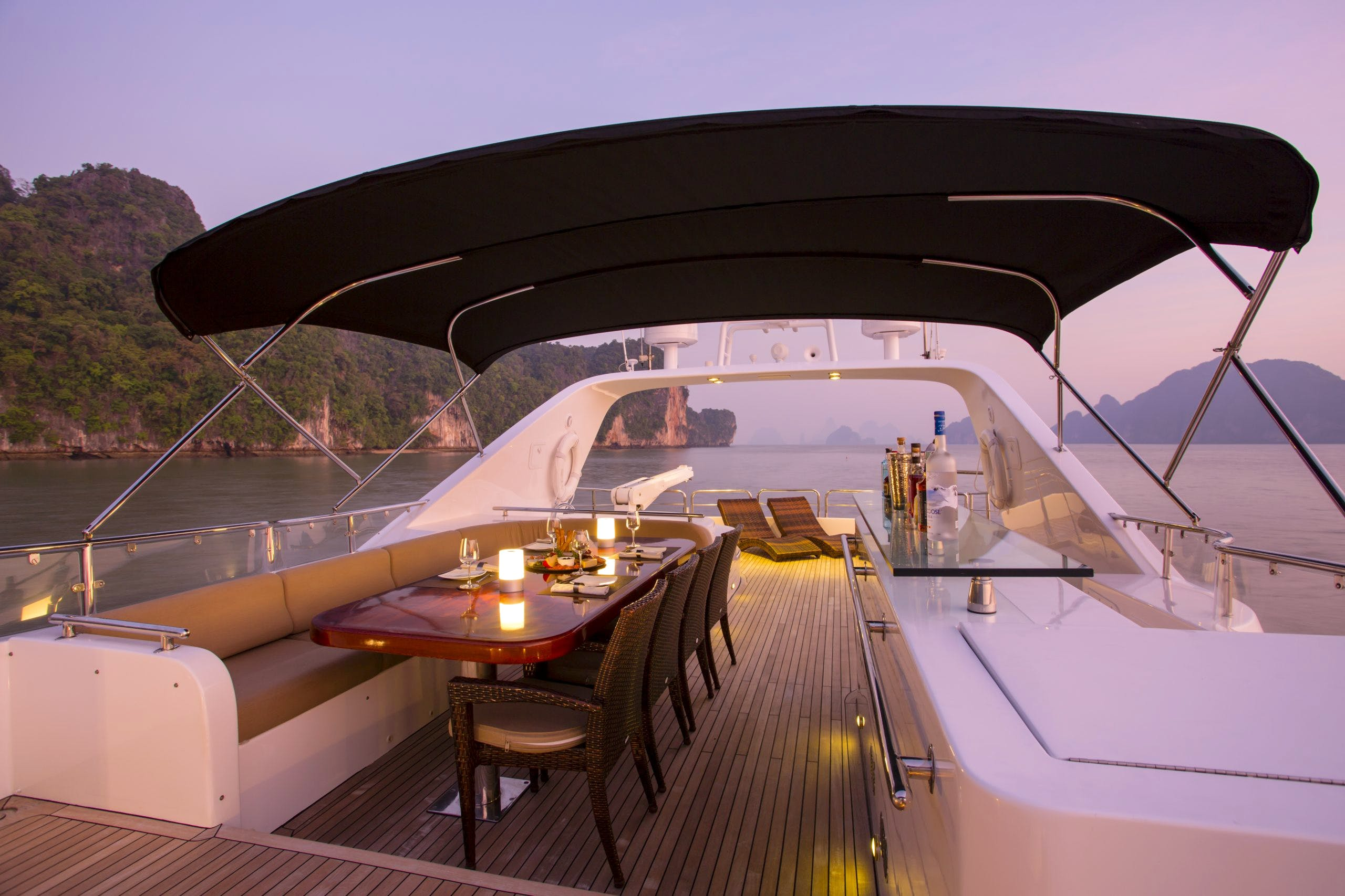 Seasonal Rates for MIA KAI Private Luxury Yacht For Charter