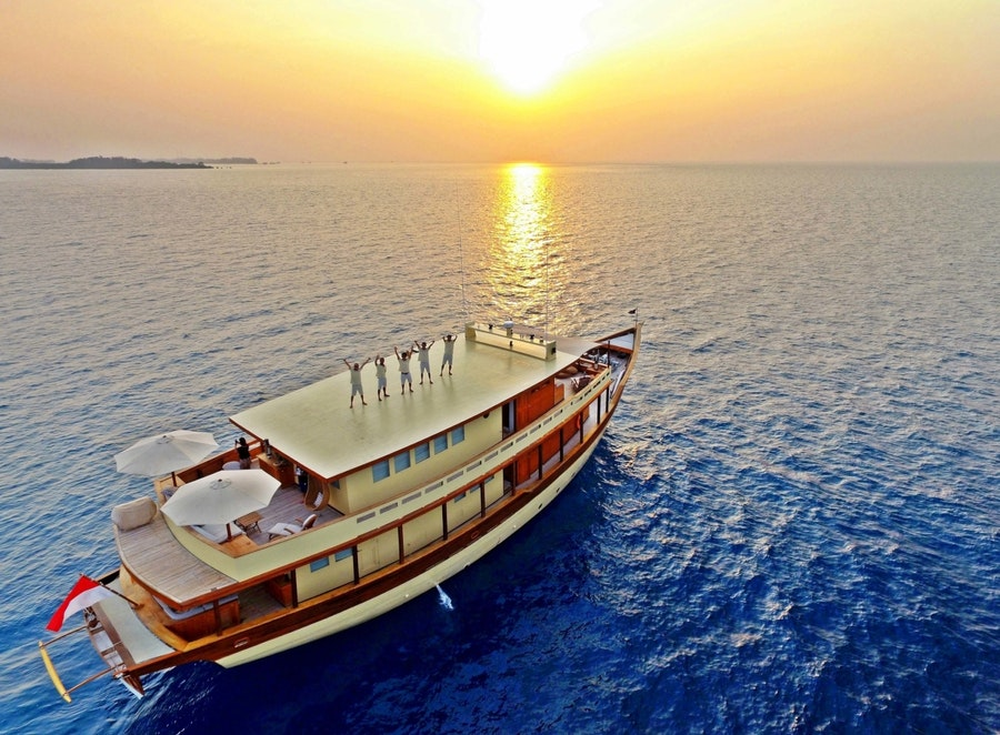 Features for MISCHIEF Private Luxury Yacht For charter