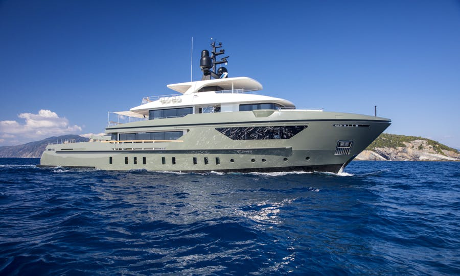 Seasonal Rates for MOKA Private Luxury Yacht For Charter