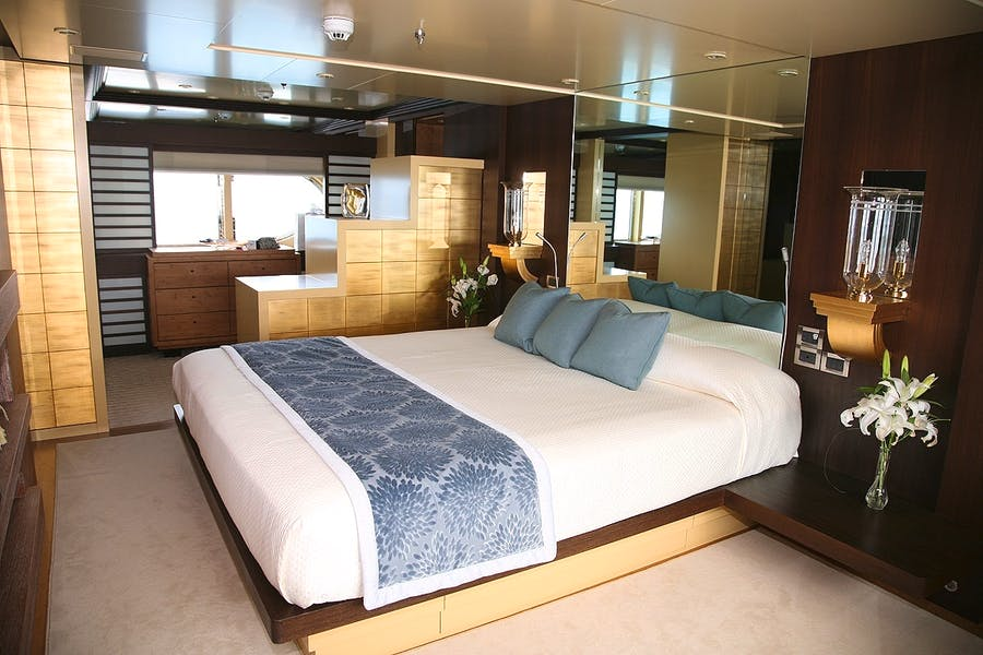 Tendar & Toys for PERLE BLEUE Private Luxury Yacht For charter