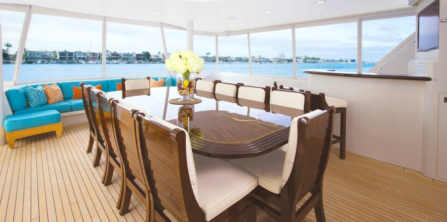 Features for SERENGETI Private Luxury Yacht For charter