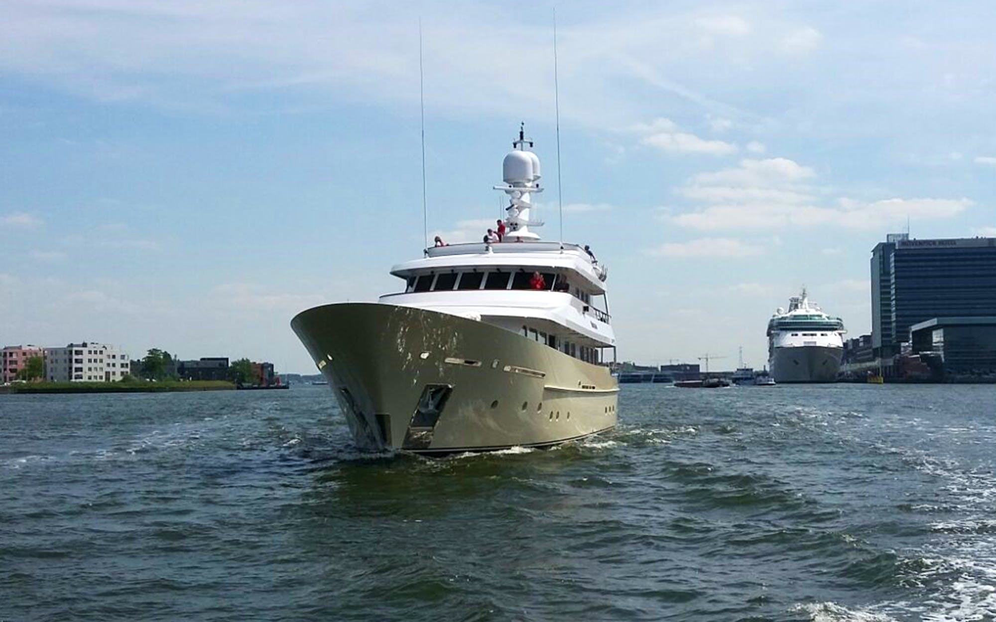 Seasonal Rates for SOPRANO Private Luxury Yacht For Charter
