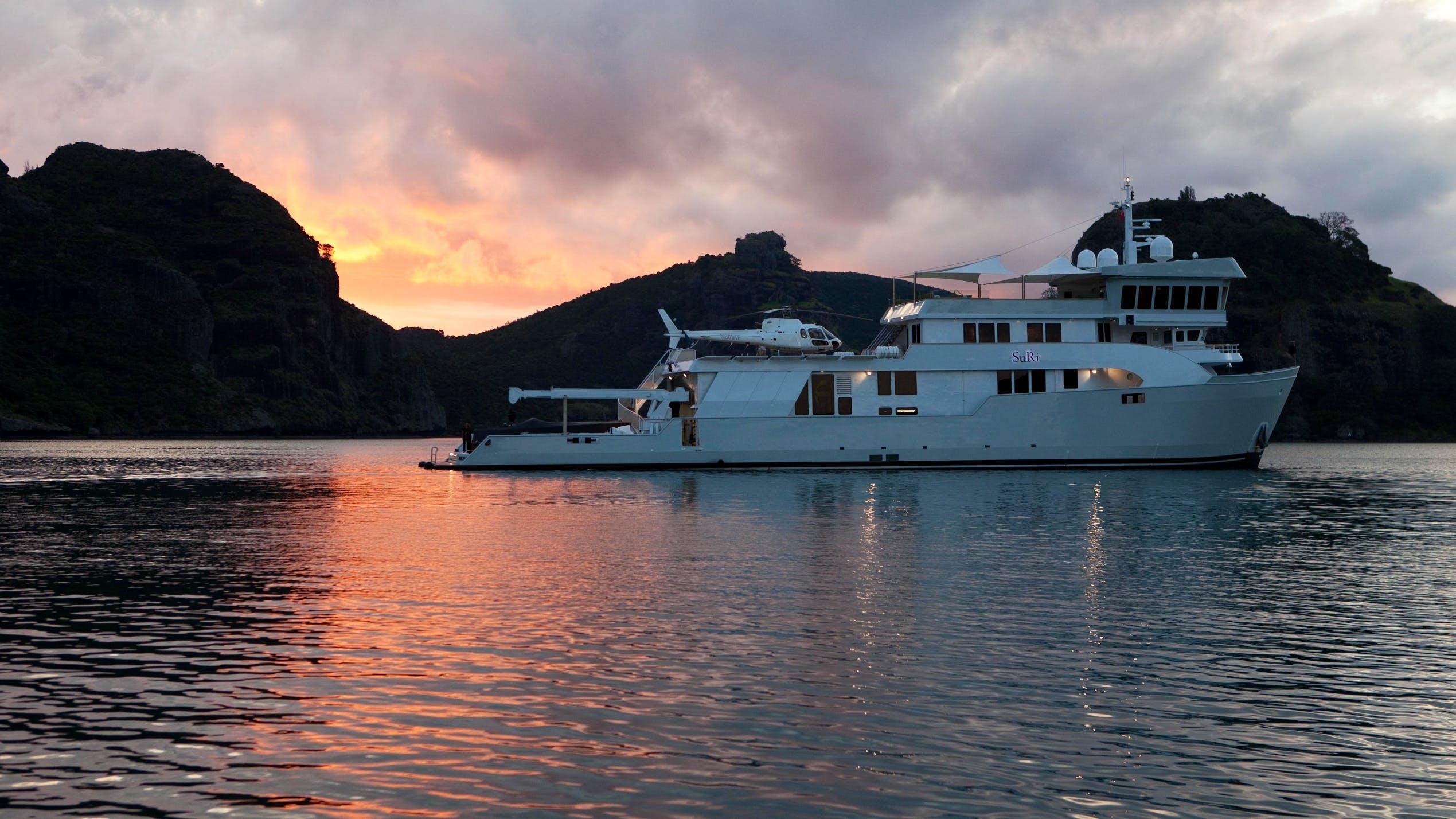 SuRi Yacht