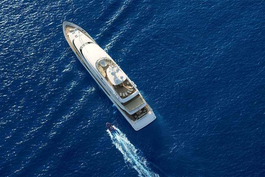 Features for THE WELLESLEY Private Luxury Yacht For charter