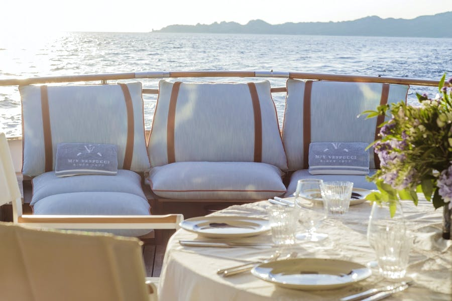 Features for VESPUCCI Private Luxury Yacht For charter