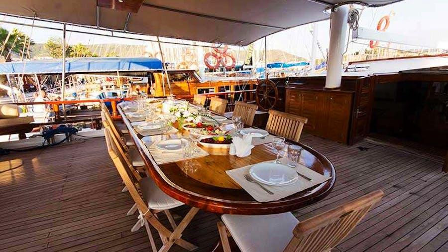 HARMONIA Yacht