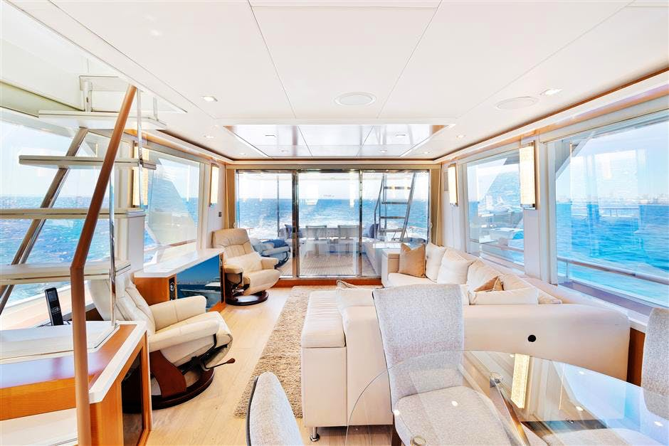 WHISTLE Yacht for Sale | 76 LAZZARA 2012