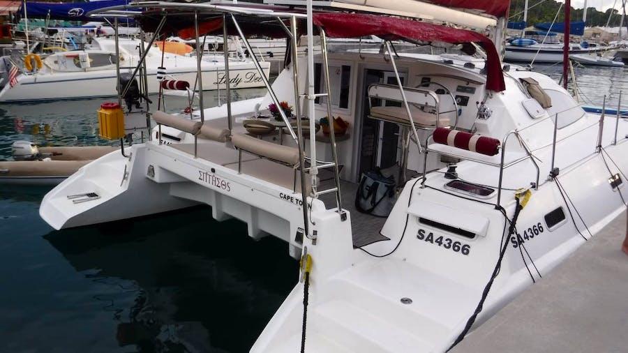 ENTHEOS Yacht