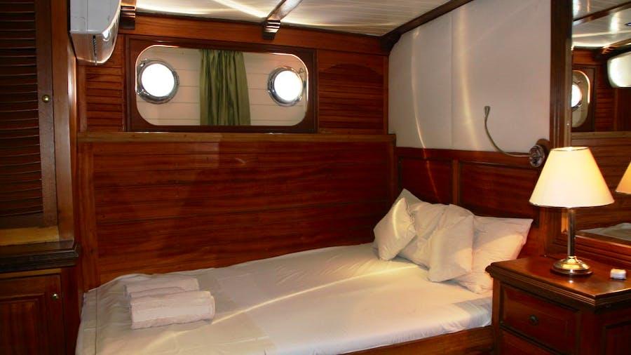 AMAZON SOLO Yacht