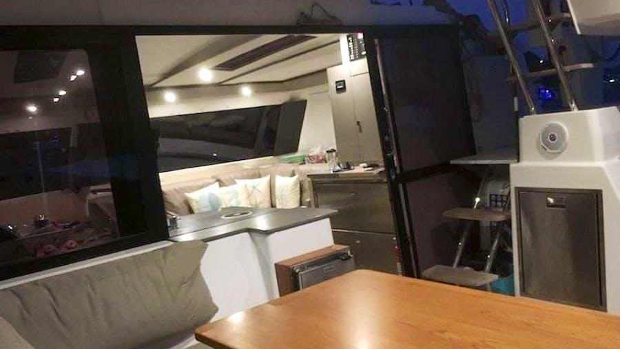 EDDIES IN TIME Yacht