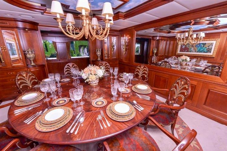 UTOPIA III Yacht