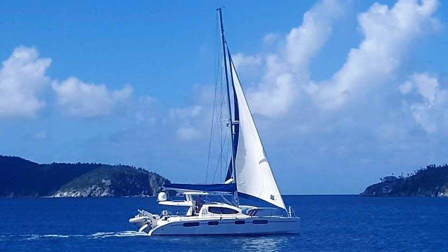 ISLAND TIME (CAT) Yacht