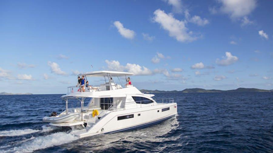 ROXANNE M/V Yacht