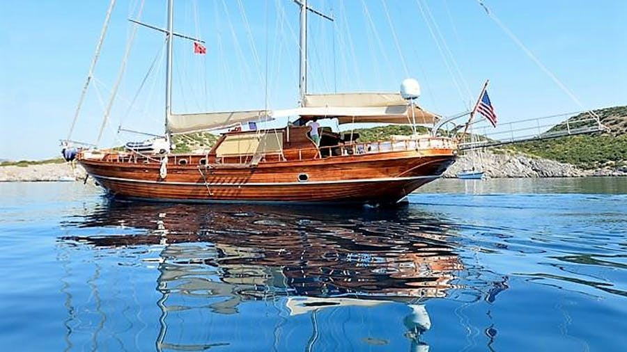 ARTEMIS-SIMAY Yacht