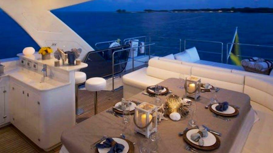 97 Ferretti CustomLine Yacht