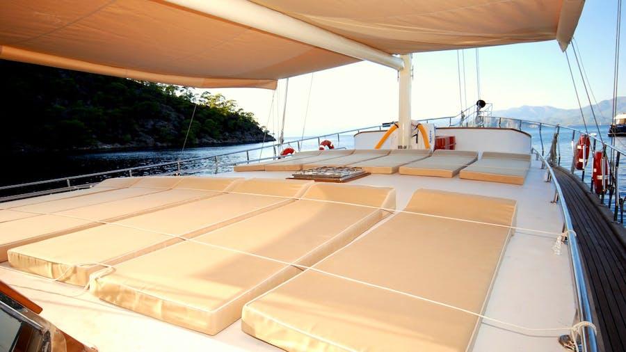 BE HAPPY Yacht