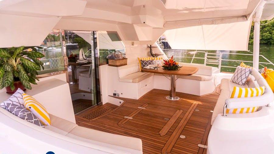 LUAR Yacht