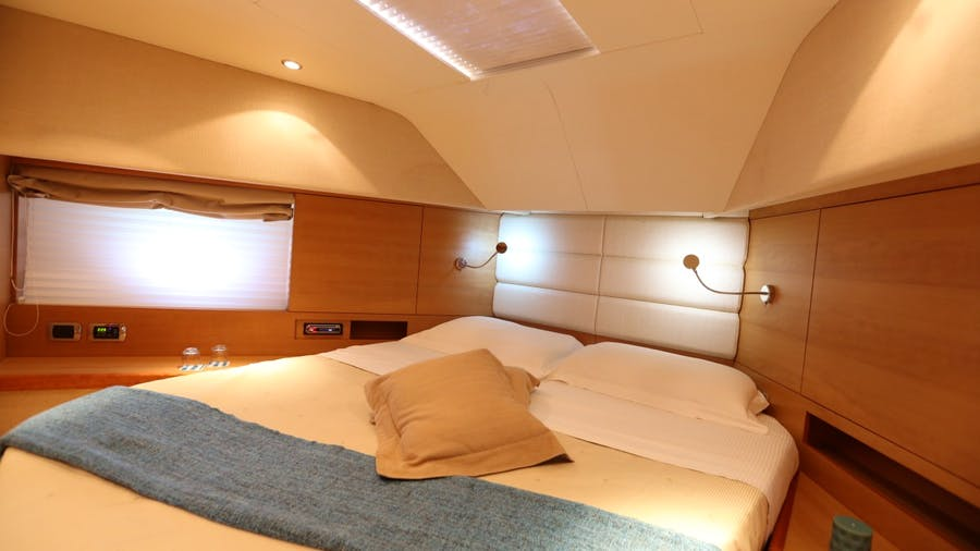 GAFFE Yacht