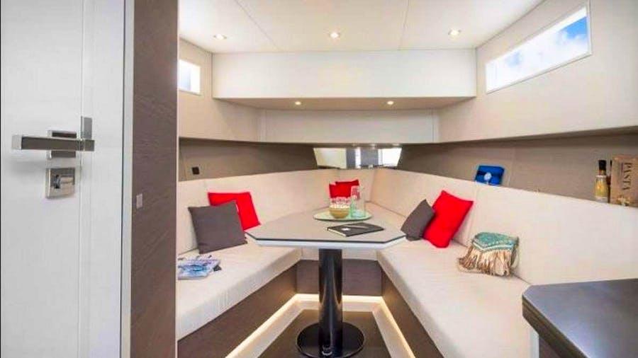 PLACEBO Yacht
