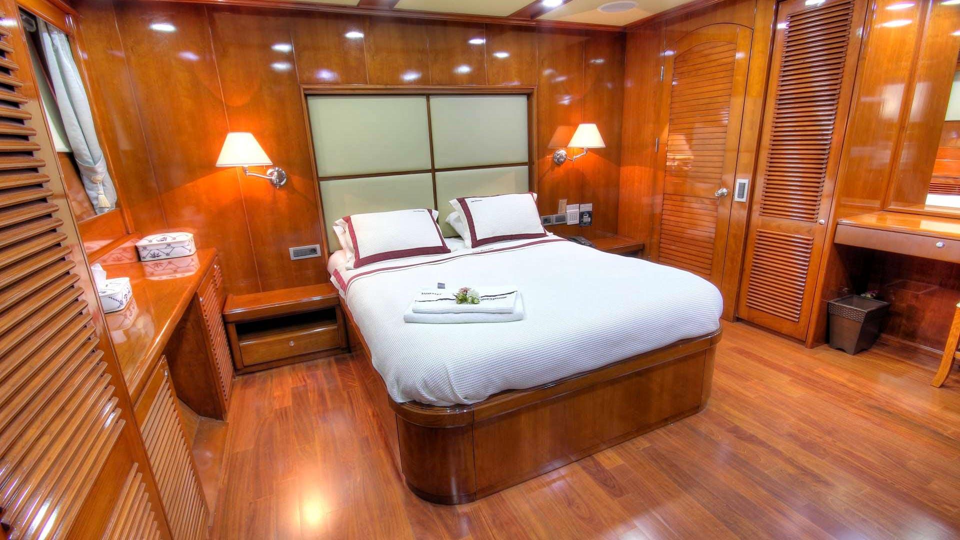 SEA DREAM Yacht
