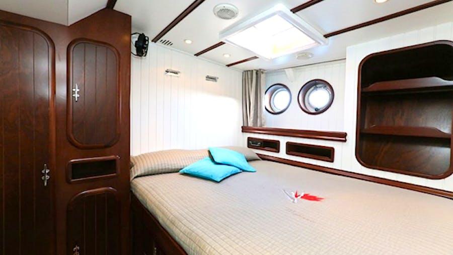 DAME DES TROPIQUES Yacht