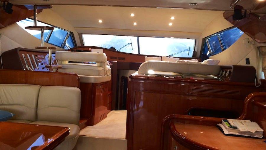 EL PUMA Yacht