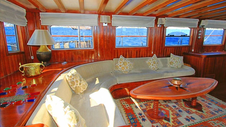 CEO 3 Yacht