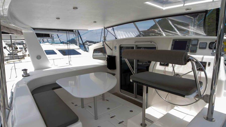 VOYAGE 500 Yacht