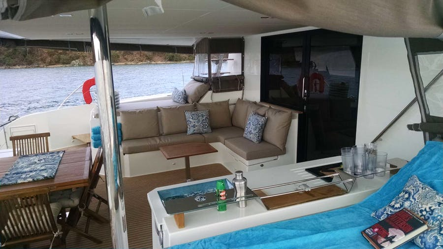 PORT TO VINO Yacht
