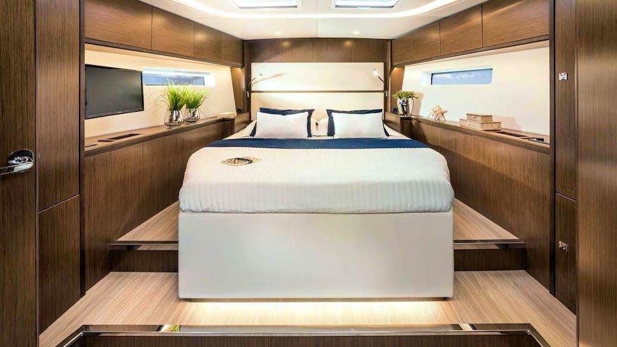 Cosmos Star Yacht