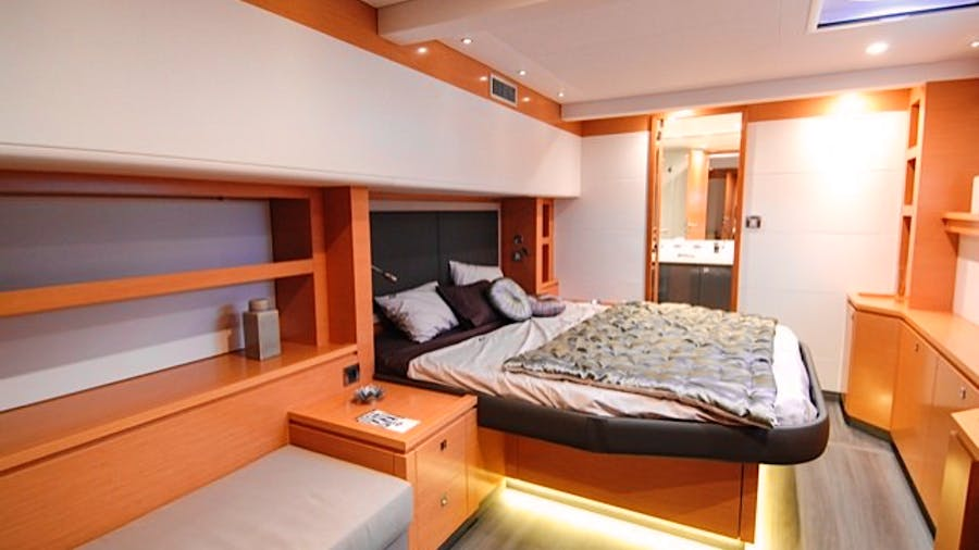 MAGEC Yacht
