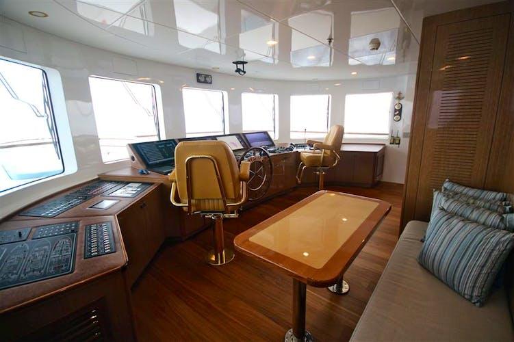 Meteor Yacht