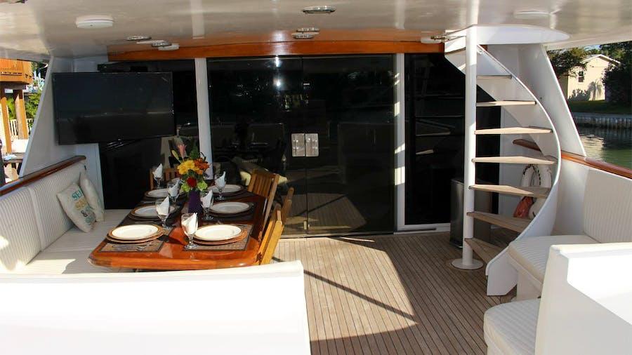 PURE KNIGHT LIFE Yacht