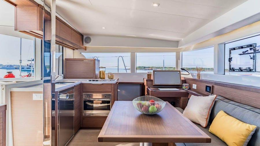 Samanà Yacht