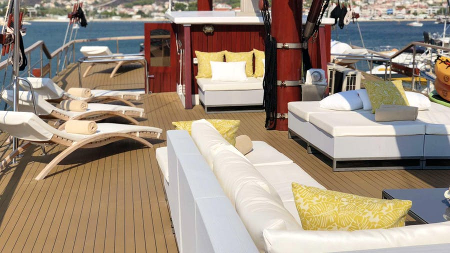 Romanca Yacht
