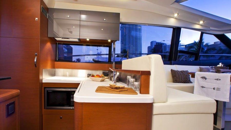 WHITE KNIGHT  Yacht