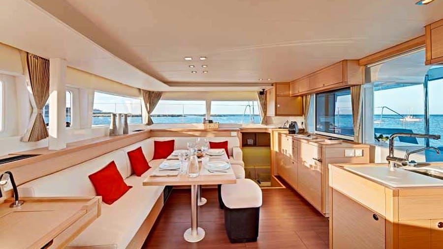 OPERA PRIMA Yacht