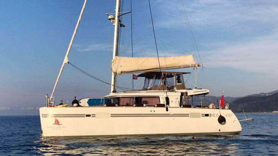 Sunshine of the sea Yacht