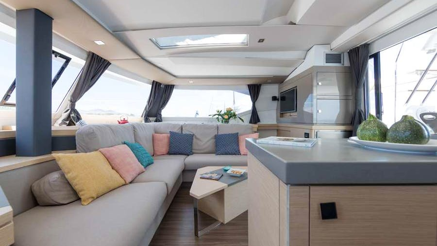 WHITE CORAL Yacht