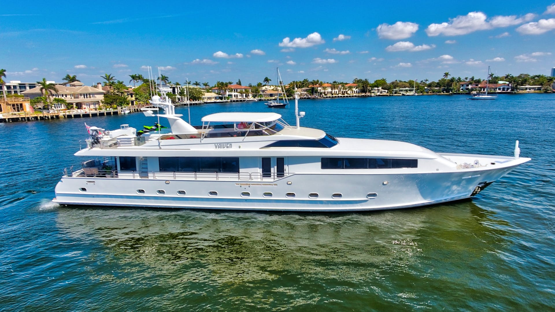 VAIVEN Yacht for Sale | 114 Broward 1995