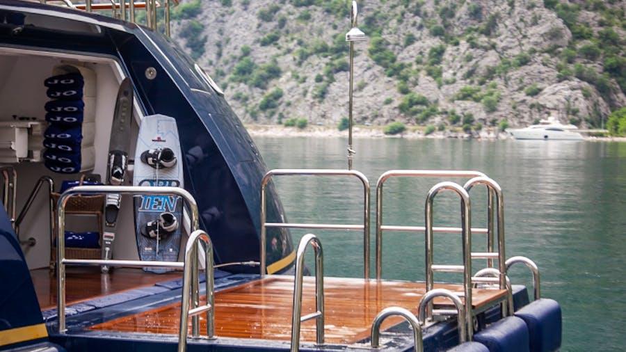 JO Yacht