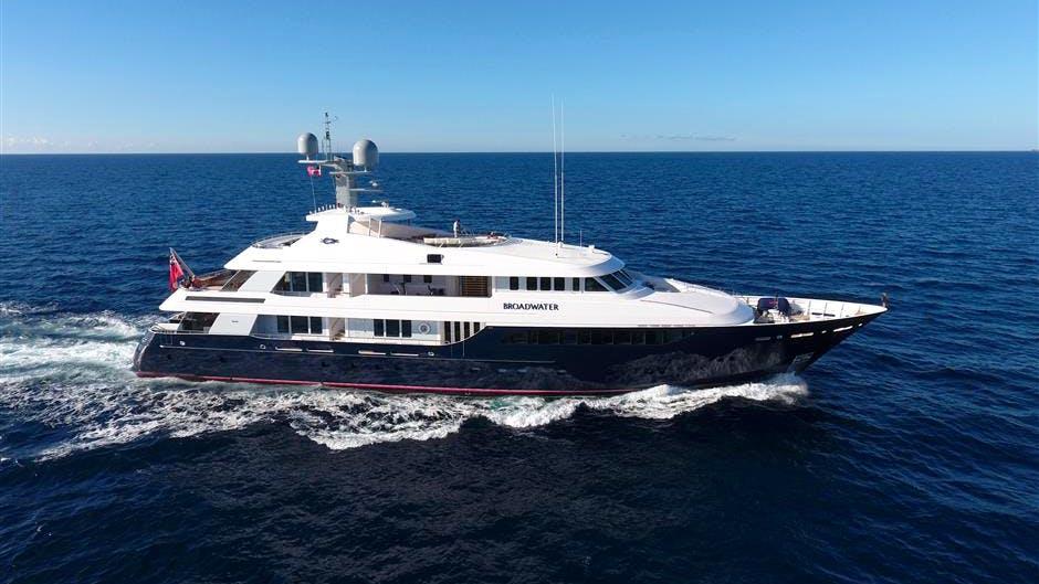 BROADWATER Yacht
