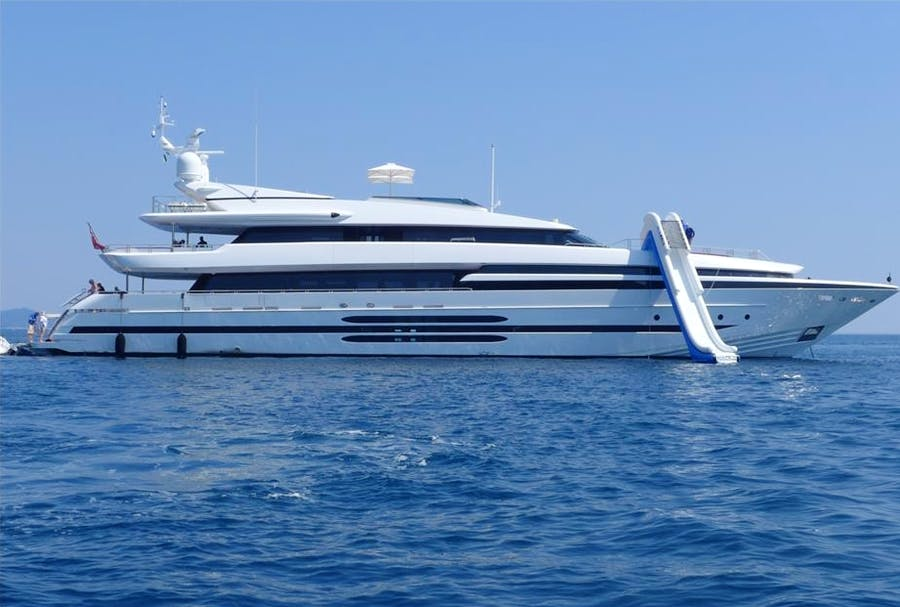 Features for BALISTA Private Luxury Yacht For charter