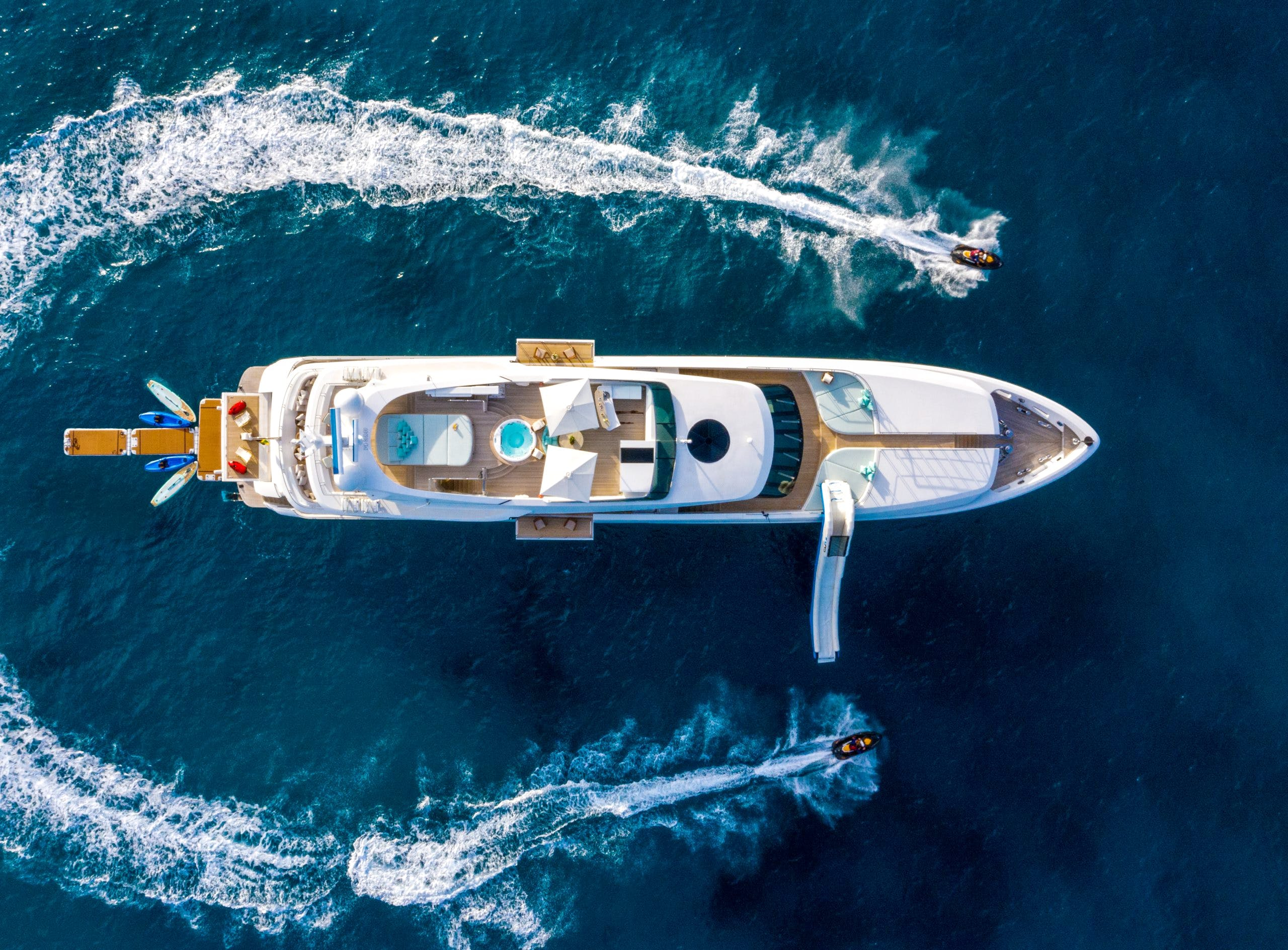 Seasonal Rates for BALISTA Private Luxury Yacht For Charter