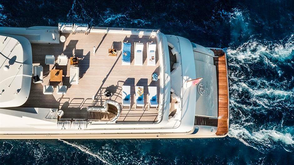 LIGHT HOLIC Yacht