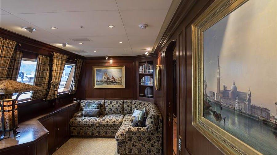 Phryne Yacht