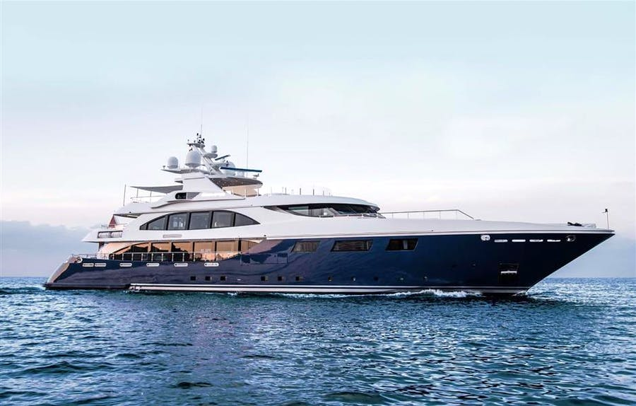 Features for RESILIENCE Private Luxury Yacht For sale
