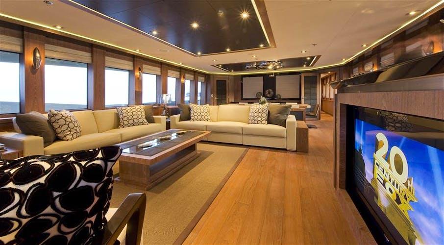 VANTAGE Yacht
