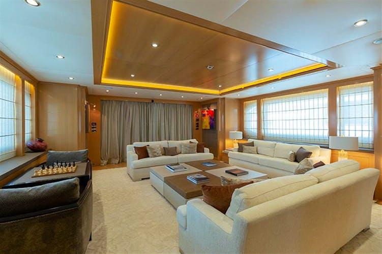 ATOMIC Yacht